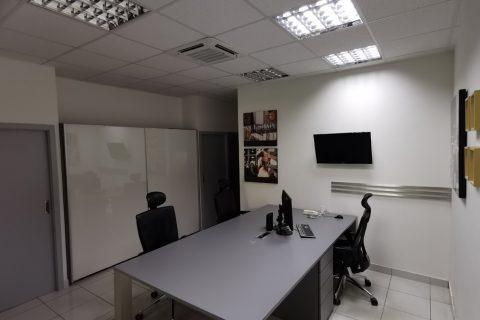 Kancelář na míru P01