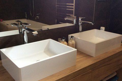 Nábytek do koupelny na míru P02