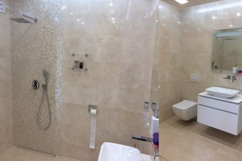 Nábytek do koupelny na míru P03