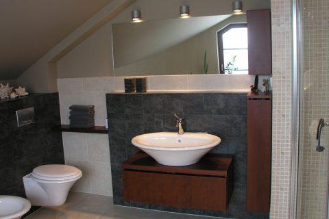 Nábytek do koupelny na míru P06