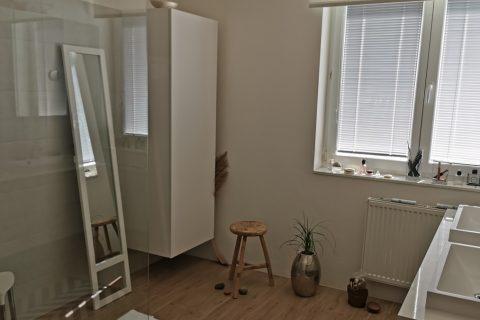 Nábytek do koupelny na míru P08