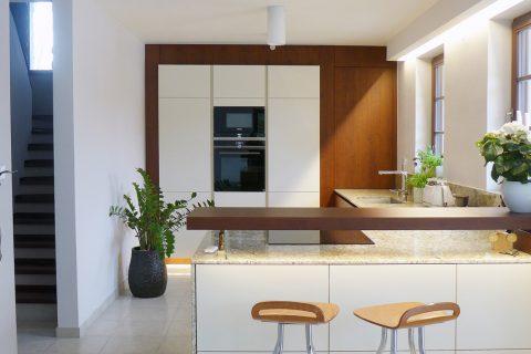 Kuchyně na míru P08