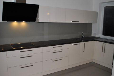 Kuchyně na míru P13