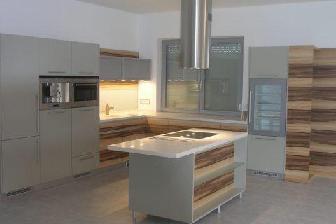 Kuchyně na míru P22
