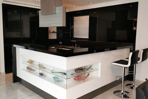 Kuchyně na míru P25