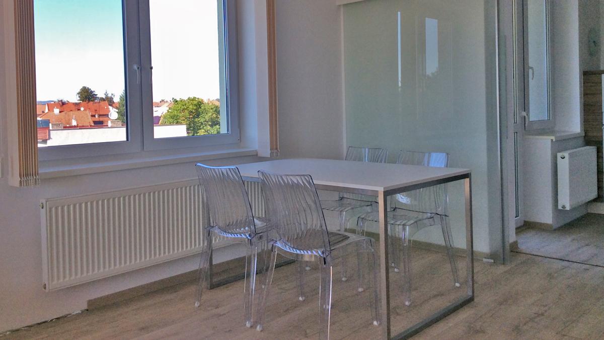 Stůl na míru P01